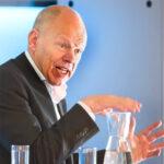 Voormalig PvdA-minister Vermeend: 'Economie 4.0 raakt alle bedrijfssectoren'