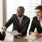 Onderzoek Deloitte: CFO's verwachten meer mensen aan te gaan nemen